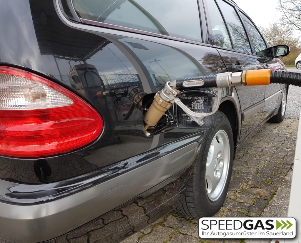 Mercedes Tankstutzen LPG